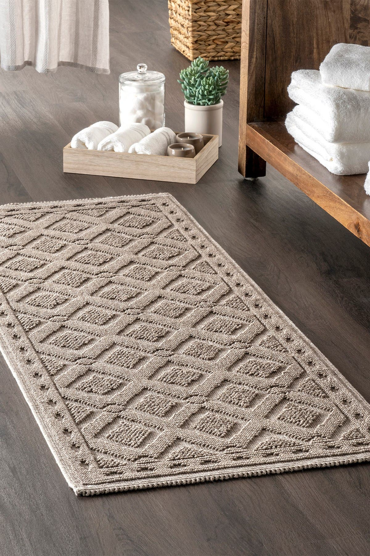 Image of nuLOOM Colton Textured Geometric Trellis Bath Mat
