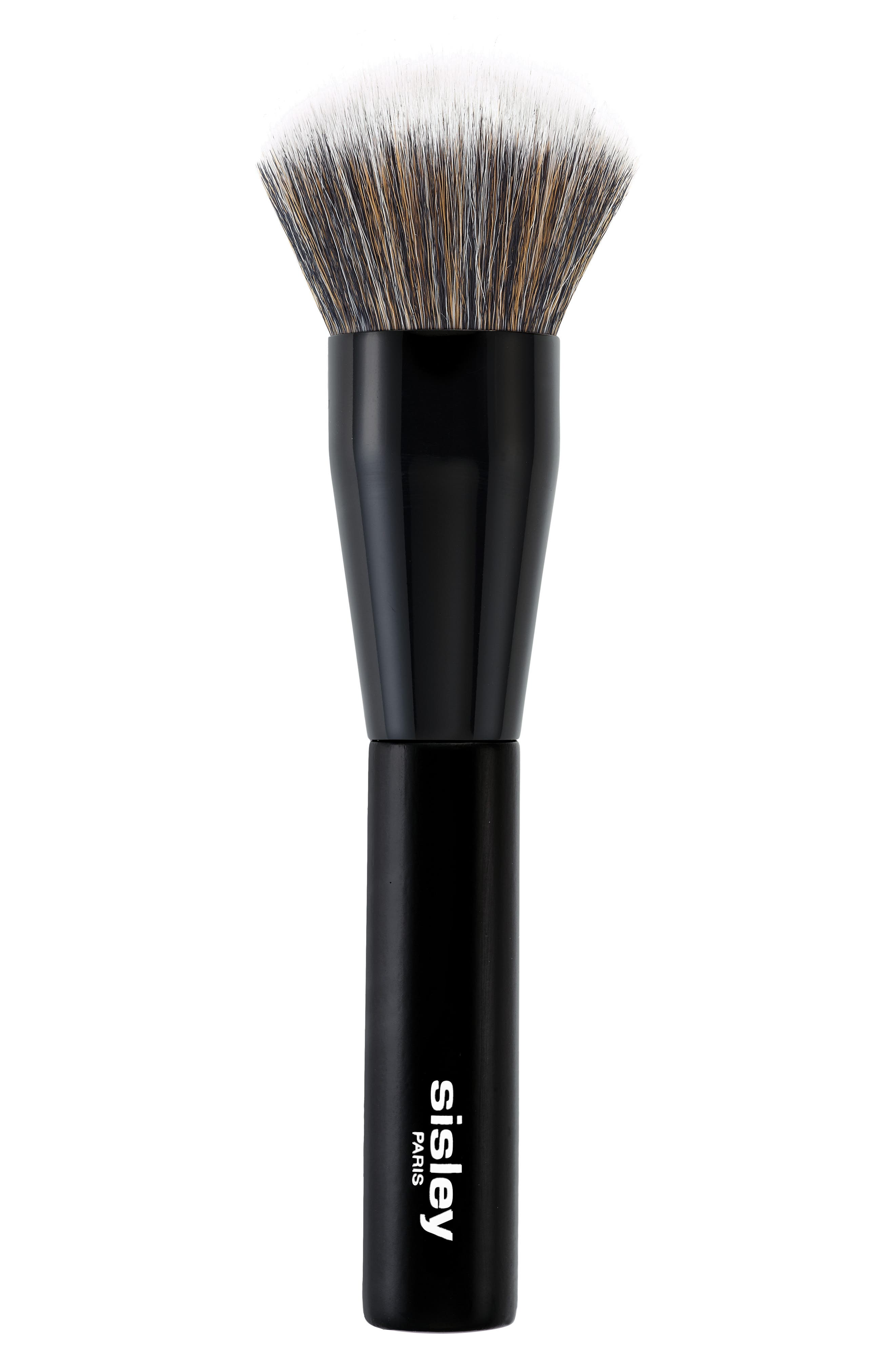 What it is: A synthetic-bristle brush with a generous, rounded shape that provides natural to fuller coverage. What it does: Ideal for use with all loose and compact powders, this brush is designed for easy and rapid application. It helps you achieve a perfected, even and mattified complexion. How to use: Sweep the brush across your product directly from the compact. If necessary, tap to remove excess before applying it to the face. For light