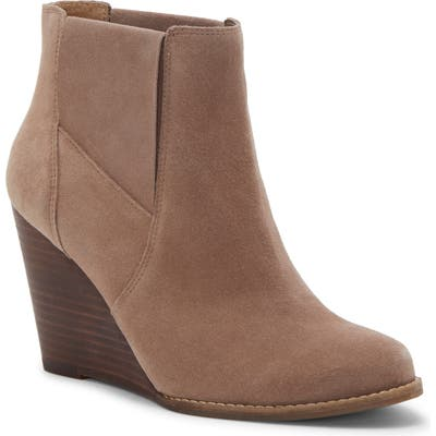 Jessica Simpson Ciandra Wedge Bootie- Brown
