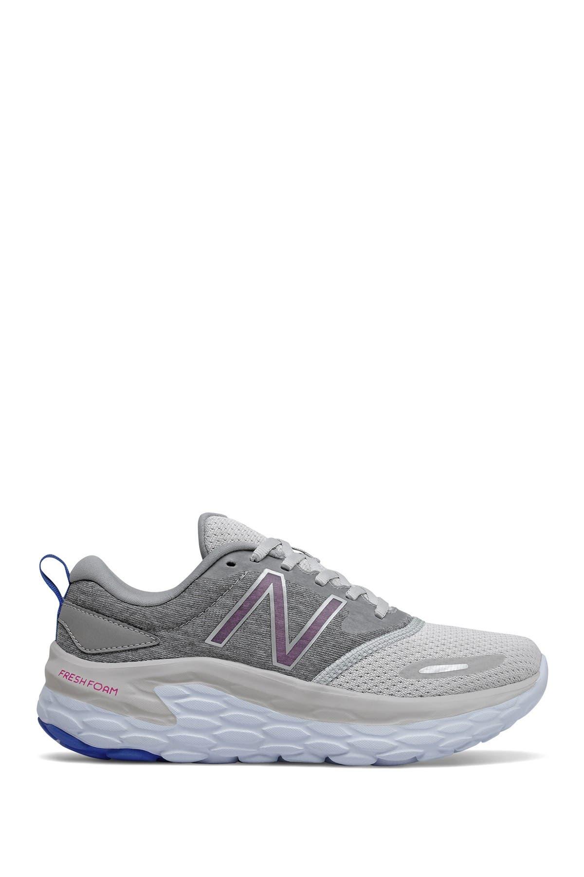 Image of New Balance Aloth Running Shoe