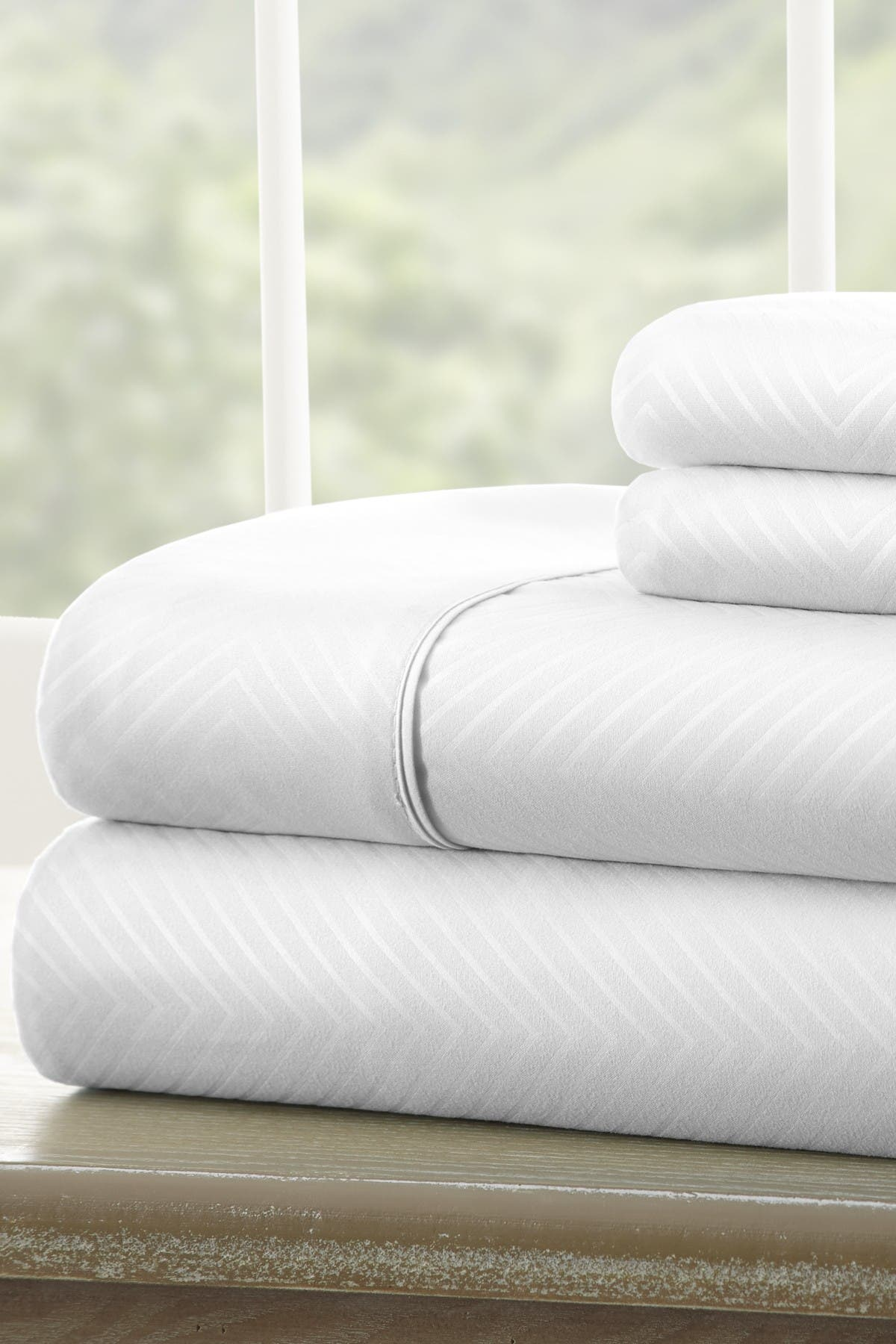 Image of IENJOY HOME California King Hotel Collection Premium Ultra Soft 4-Piece Chevron Bed Sheet Set - White