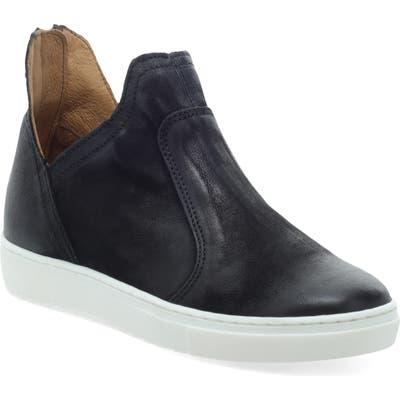 Miz Mooz Lilly Platform Sneaker - Black