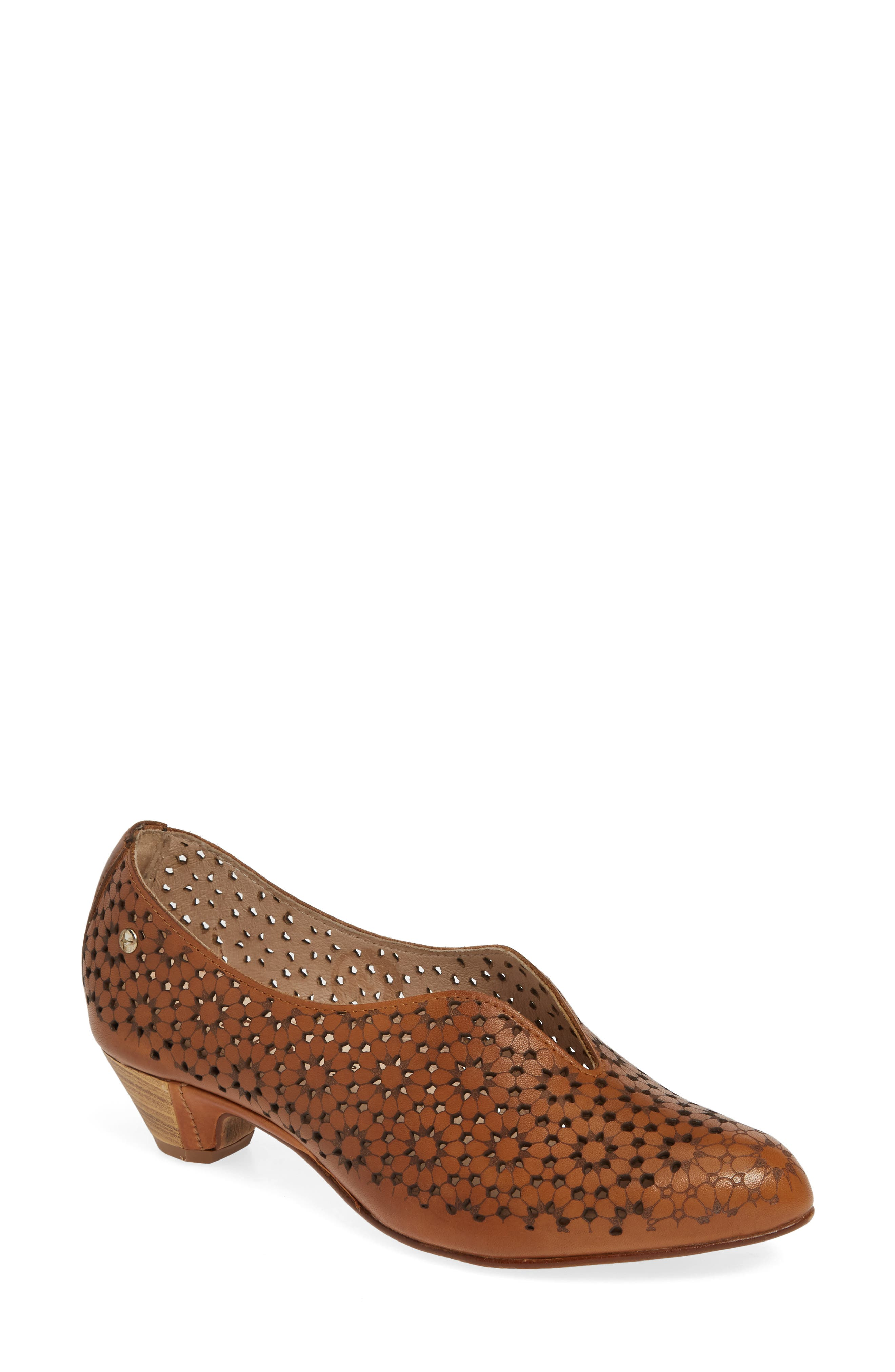 Pikolinos Elba Perforated Floral Pump, Brown