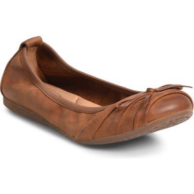 B?rn Chelan Ballet Flat, Brown