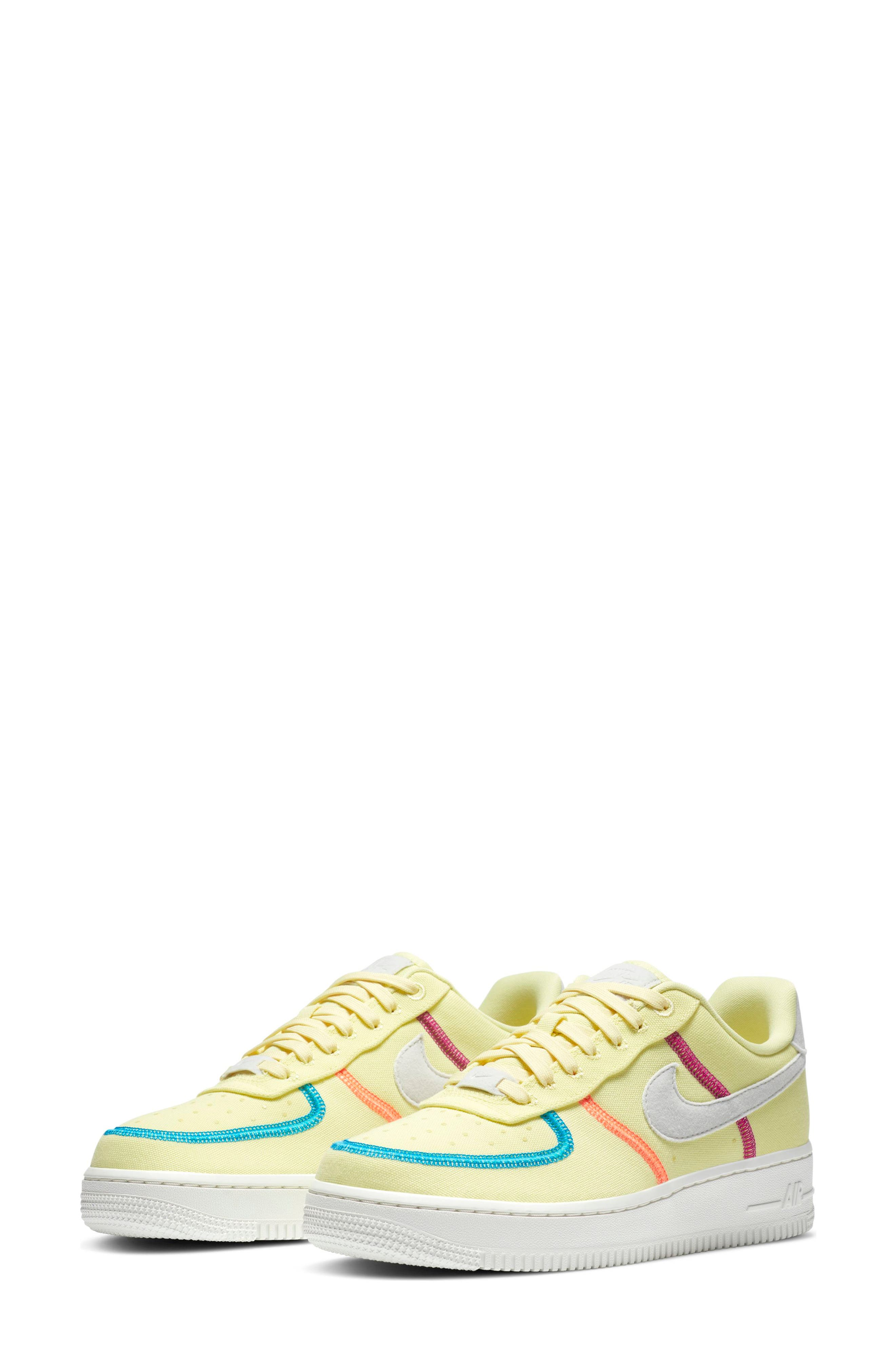 Women's Nike Air Force 1' 07 Lx Sneaker