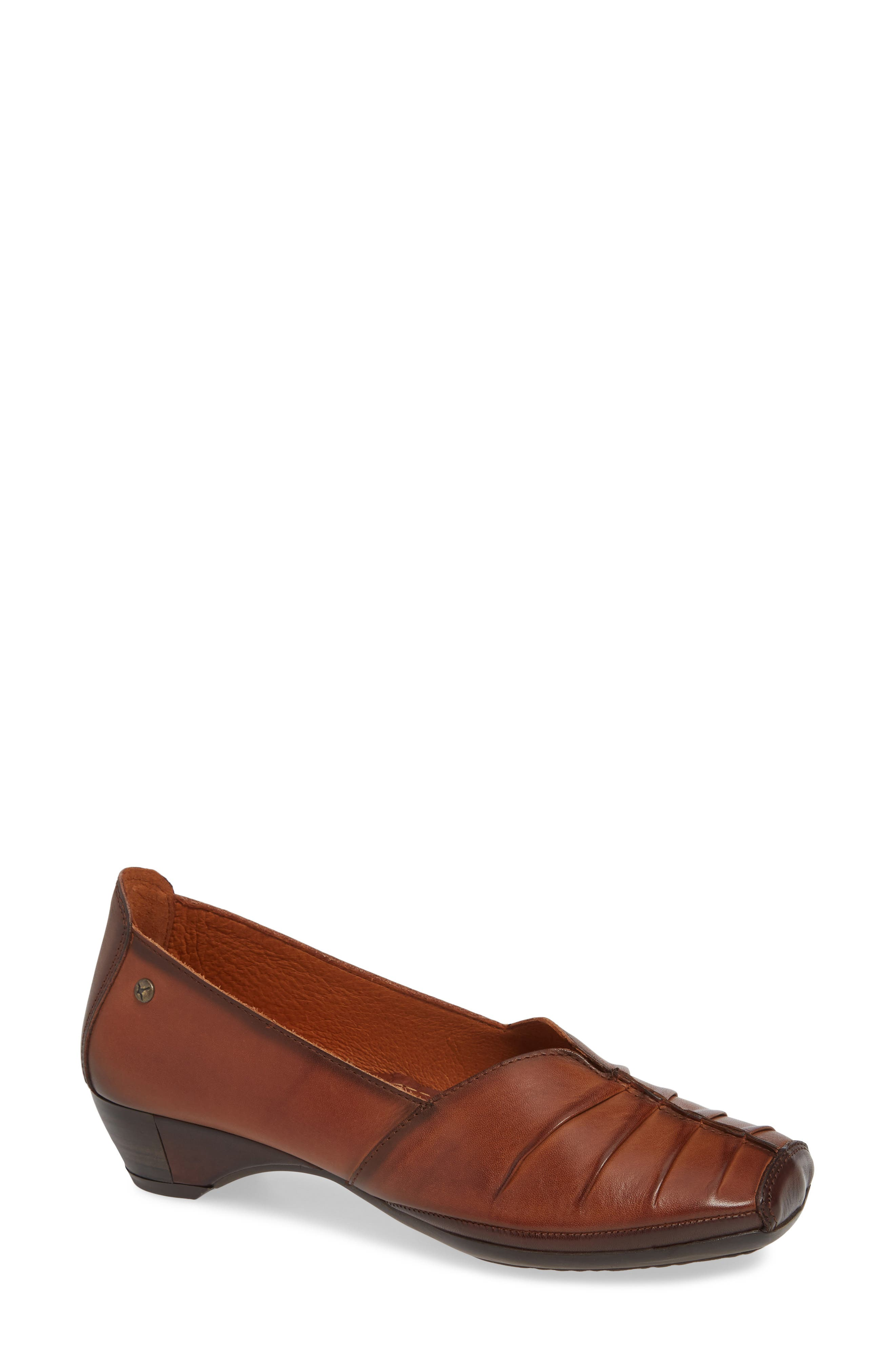 Pikolinos Gandia Pleated Pump, Brown