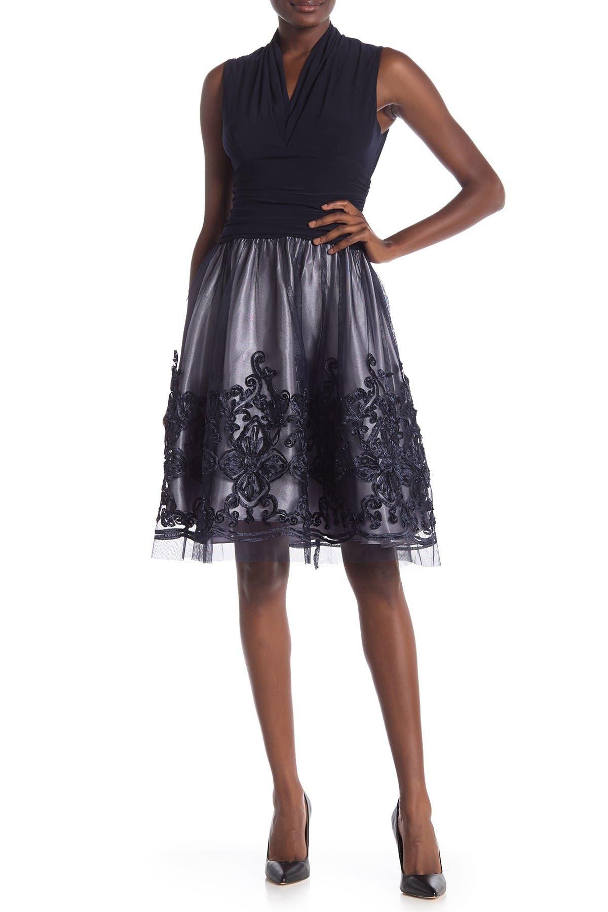 Image of SLNY Sleeveless Bordered Dress