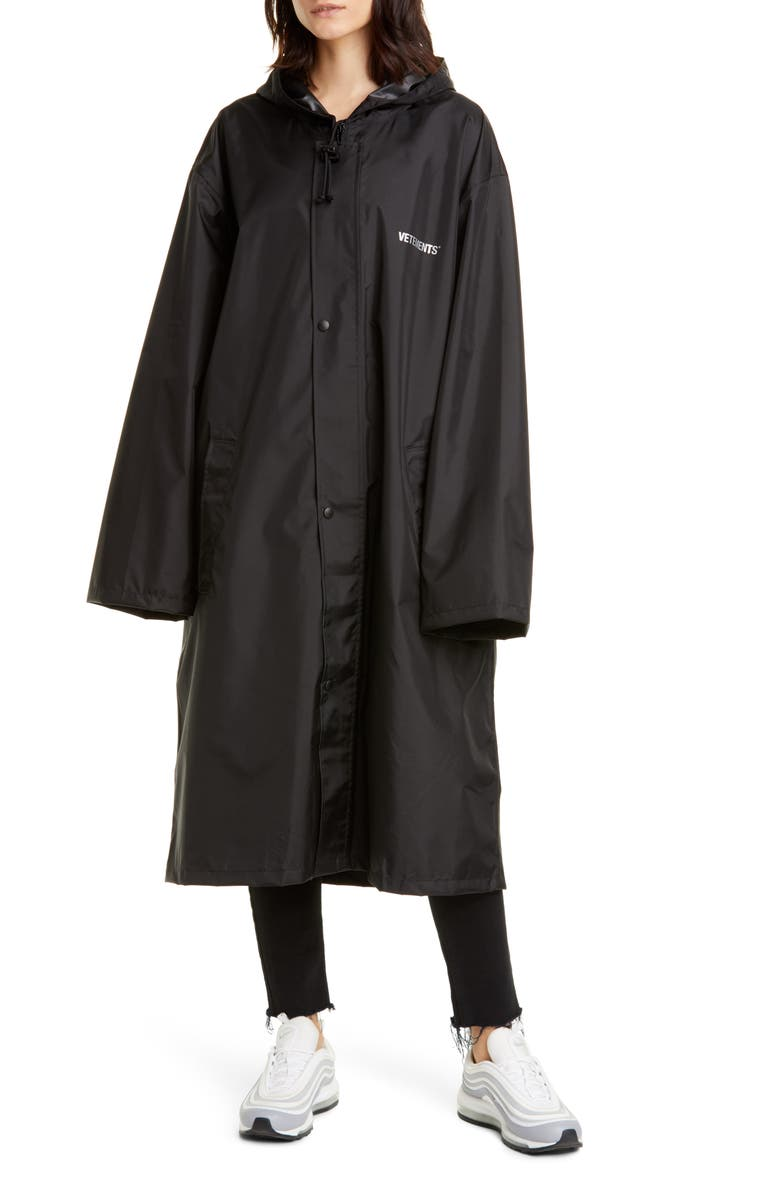 VETEMENTS Copyright Water Repellent Raincoat, Main, color, 001