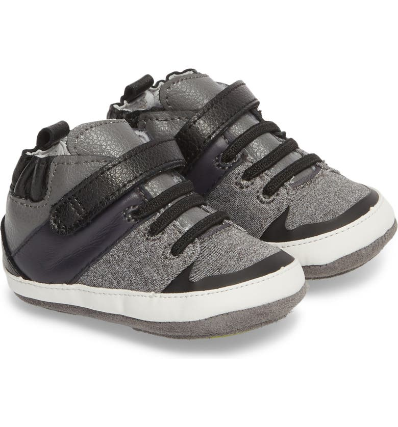 ROBEEZ<SUP>®</SUP> Zachary High Top Crib Sneaker, Main, color, 001