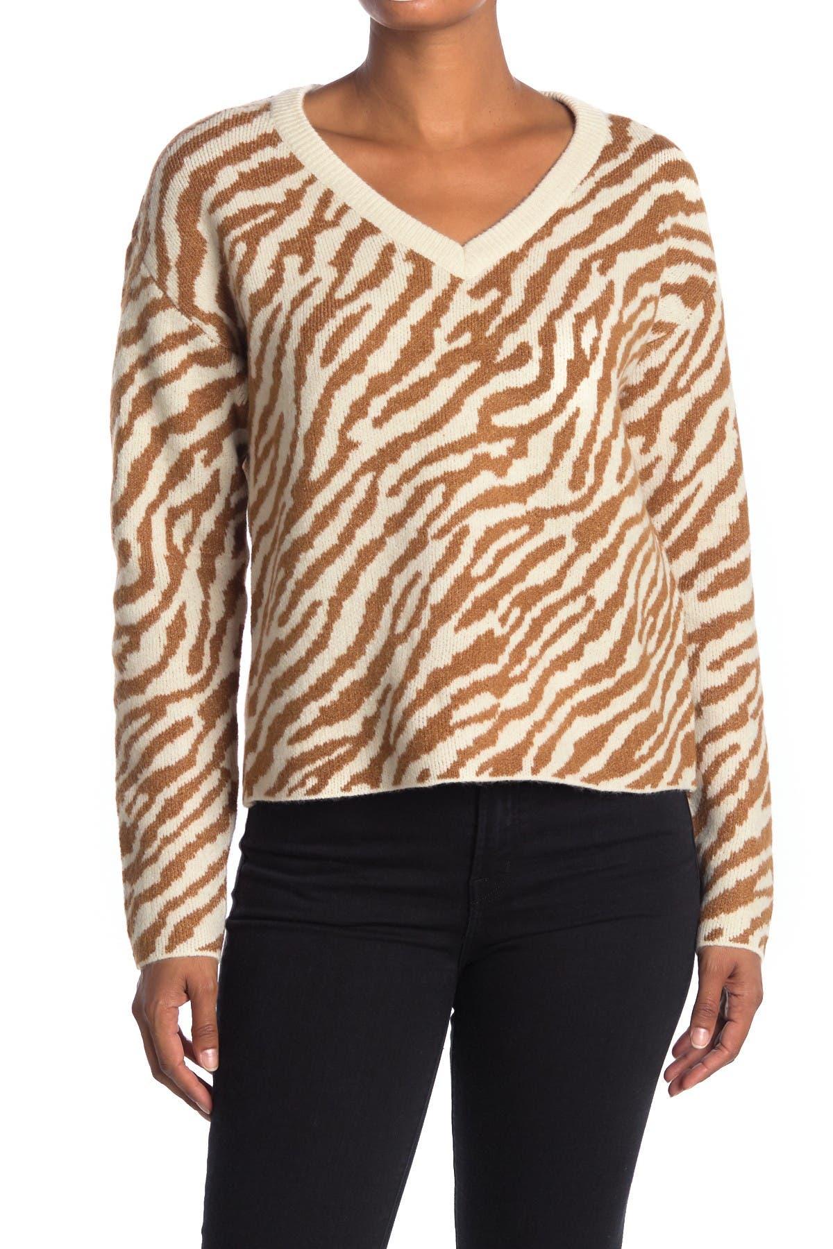 Image of VERO MODA V-Neck Zebra Stripe Print Sweater