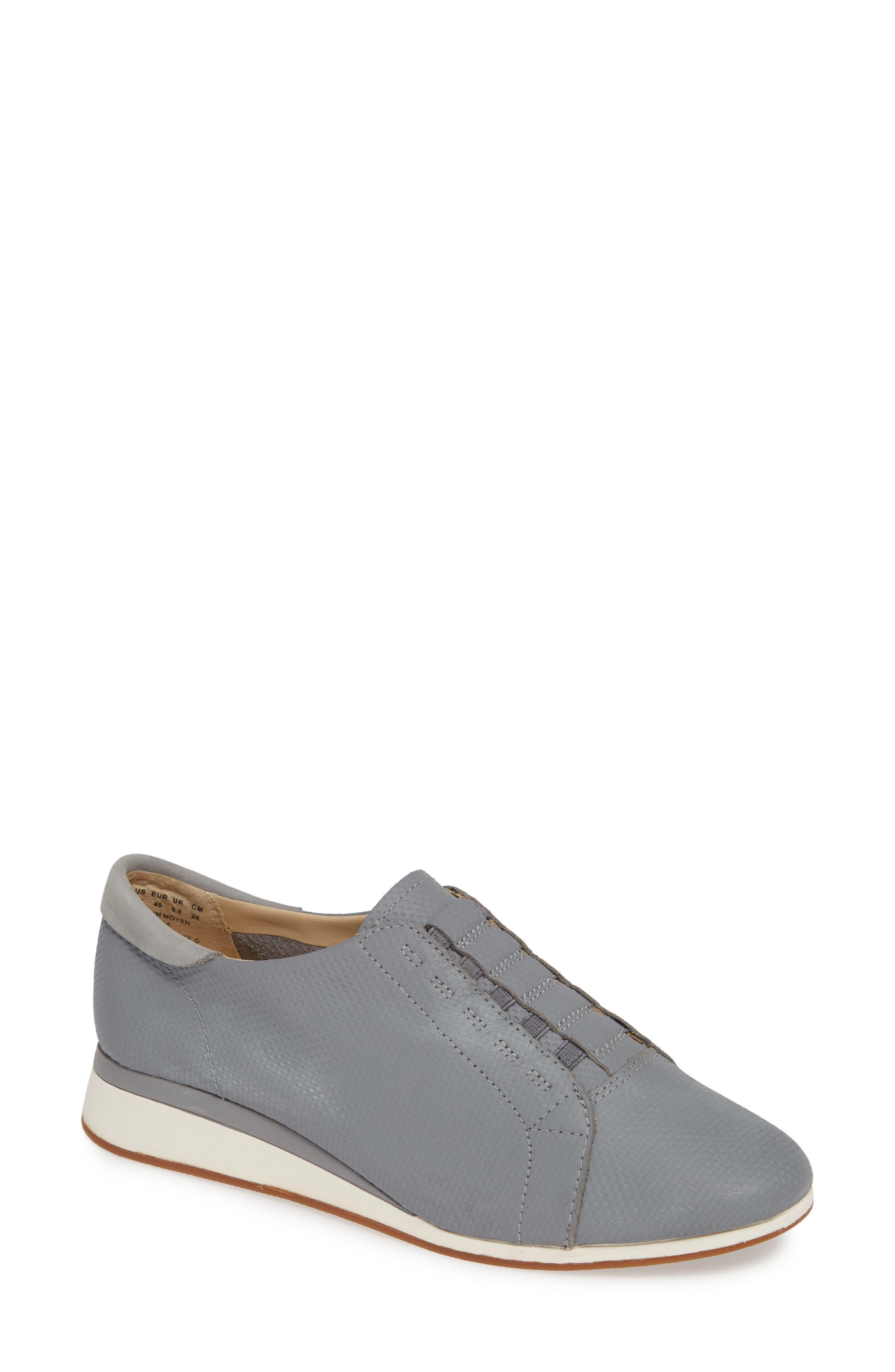 Hush Puppies Evaro Slip-On Sneaker, Grey