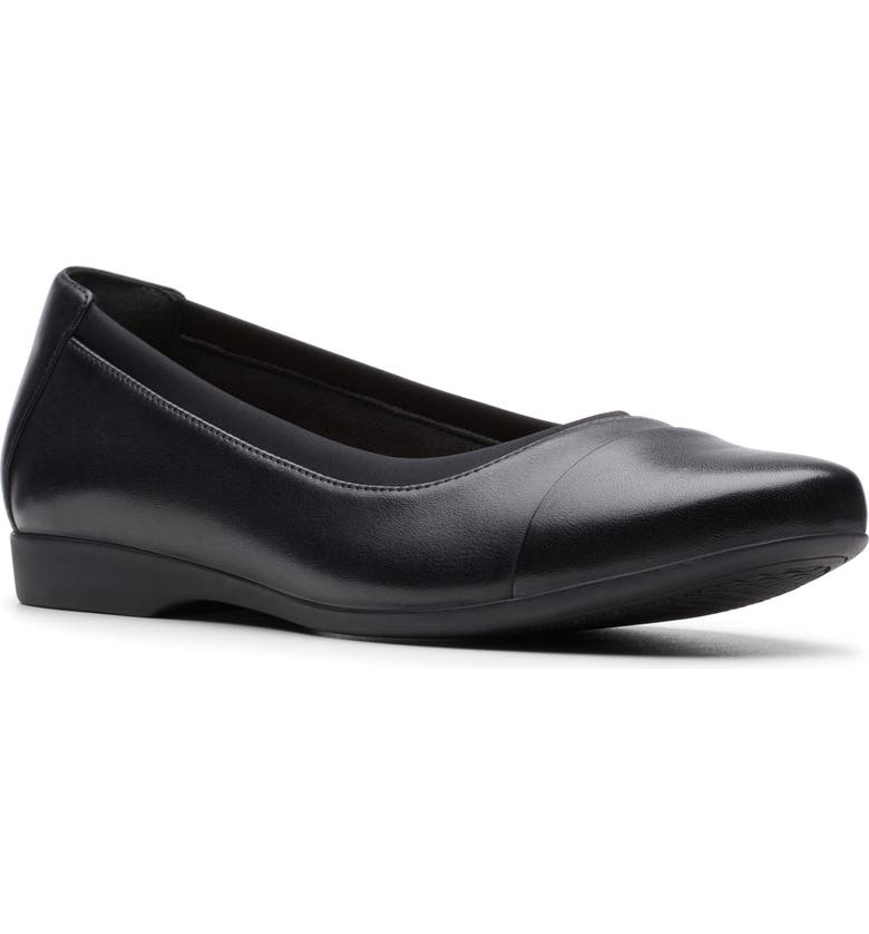 CLARKS<SUP>®</SUP> Un Darcey Cap Flat, Main, color, BLACK LEATHER