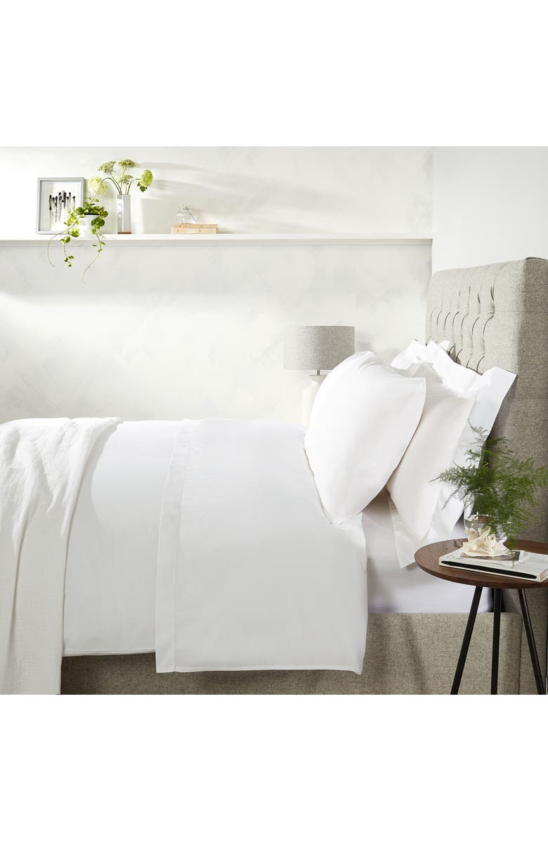 THE WHITE COMPANY Single Row Cord 200 Thread Count Egyptian Cotton Fitted Sheet, Main, color, WHITE