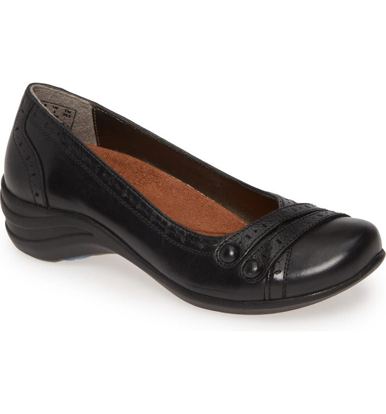HUSH PUPPIES<SUP>®</SUP> Hush Puppies Burlesque Flat, Main, color, 001