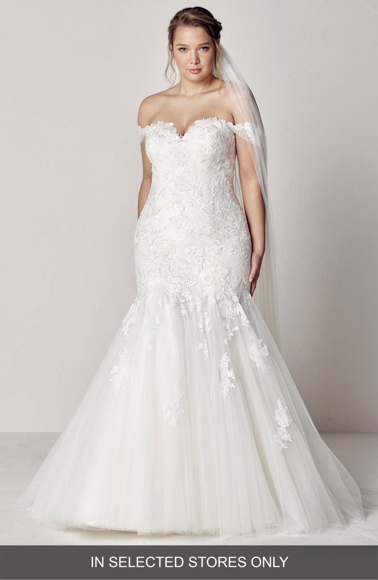 Pronovias Extrem Sweetheart Off The Shoulder Mermaid Gown ...