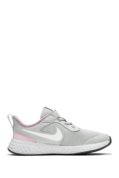 Nike - Revolution 5 Sneaker