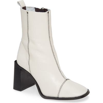 Topshop Homerun Boot - White