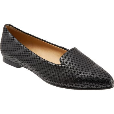 Trotters Harlowe Pointy Toe Loafer- Black