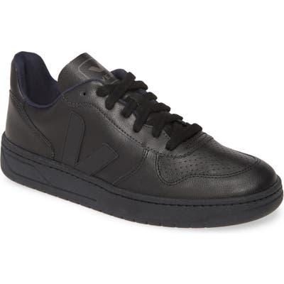 Veja V-10 Bastille Sneaker, / 6 Men