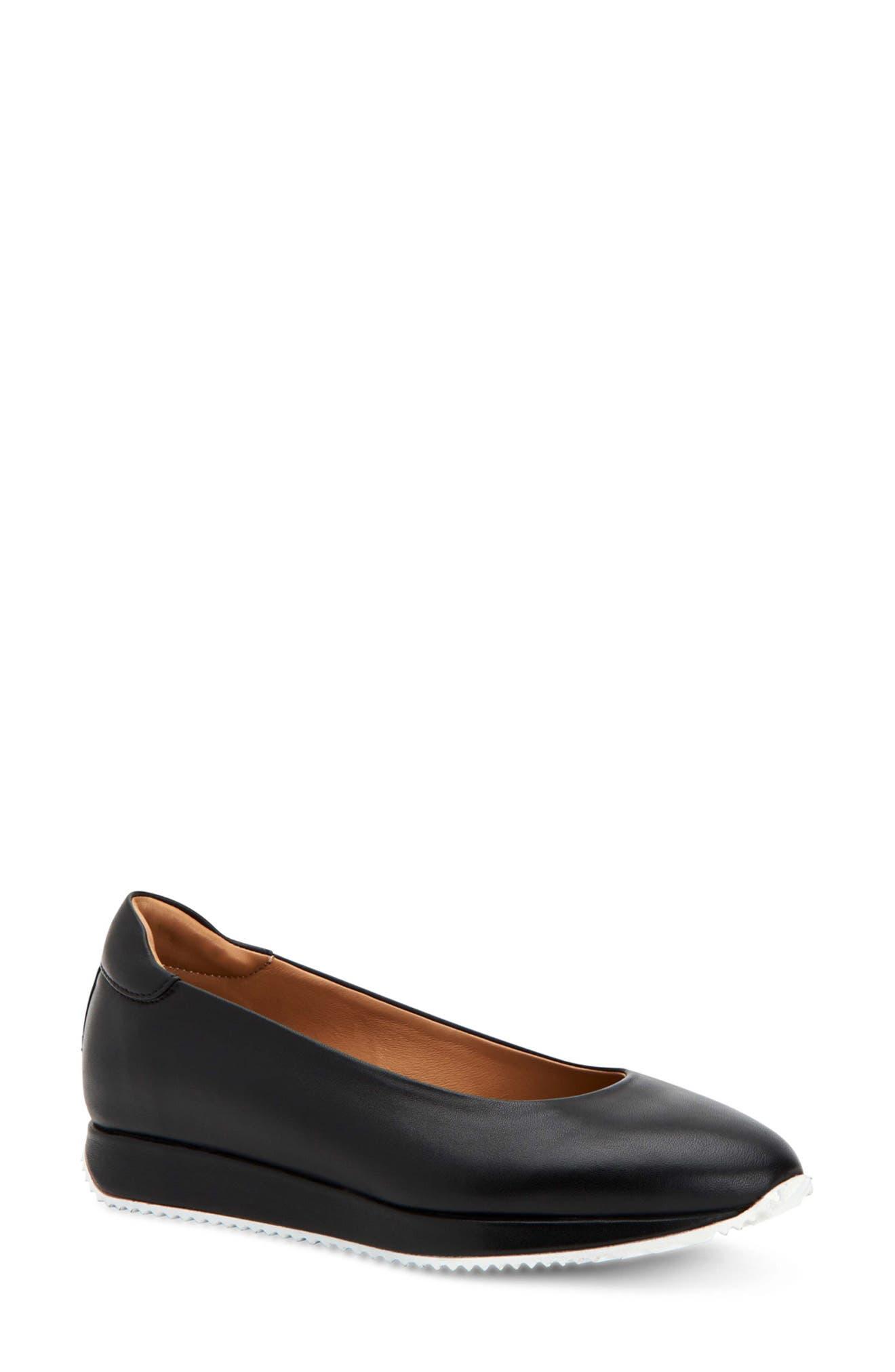 Helaina Leather Flat