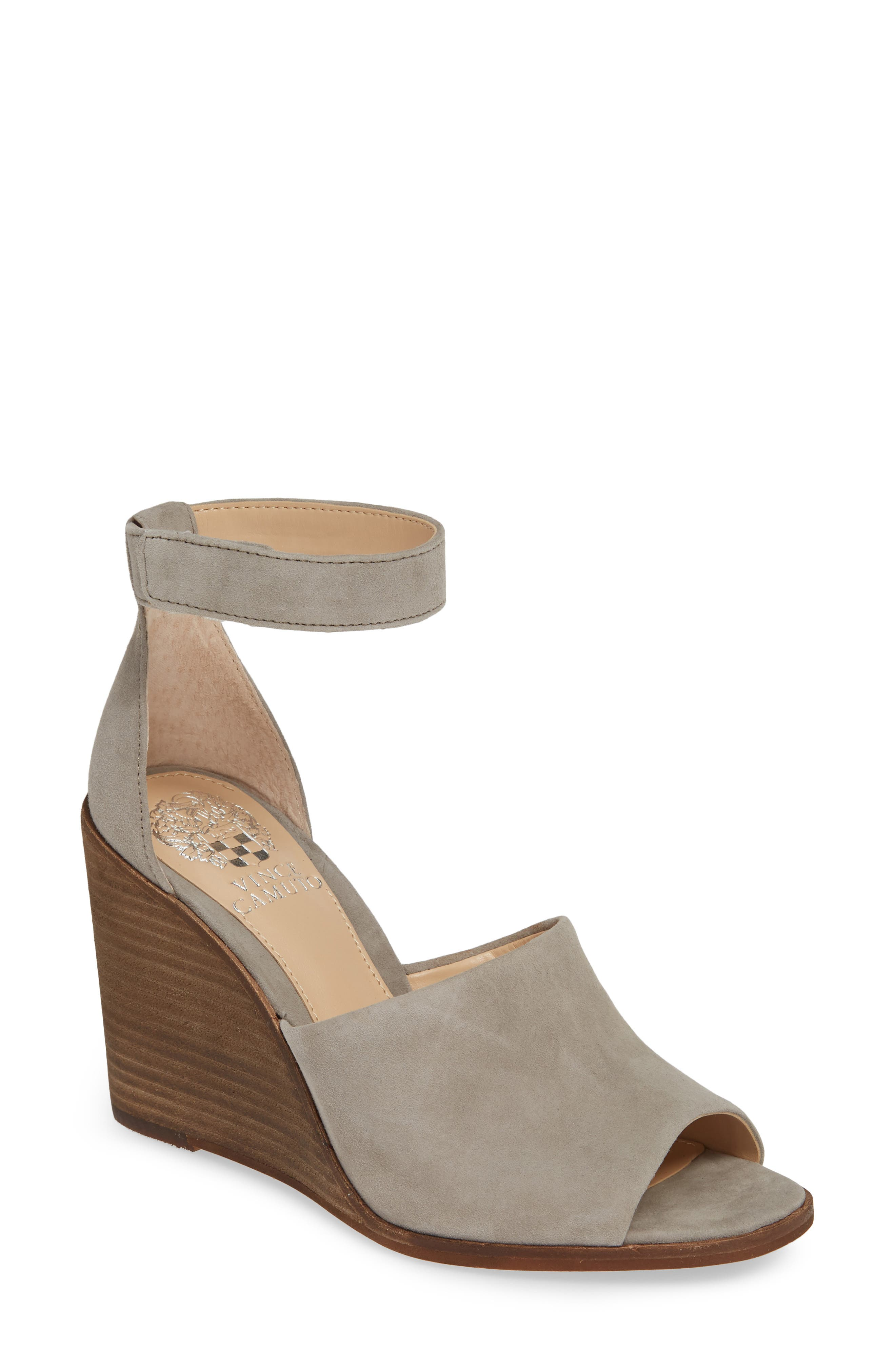 Vince Camuto Deedriana Wedge Sandal, Grey