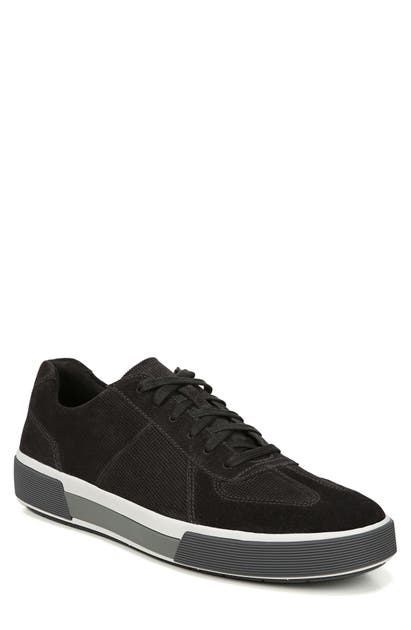 Vince Rogue Low Top Sneaker In Graphite