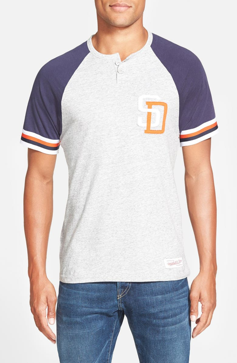 cheap for discount 5e49f 61663 Mitchell & Ness 'San Diego Padres - Visiting' Raglan Henley ...