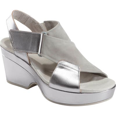Earth Kendi Platform Sandal- Metallic