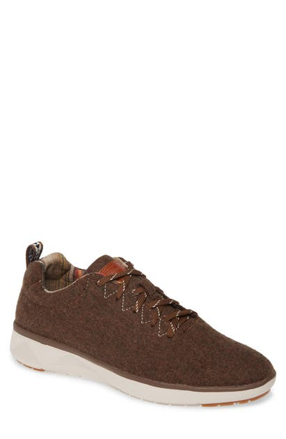 Pendleton Low Top Sneaker In Brown