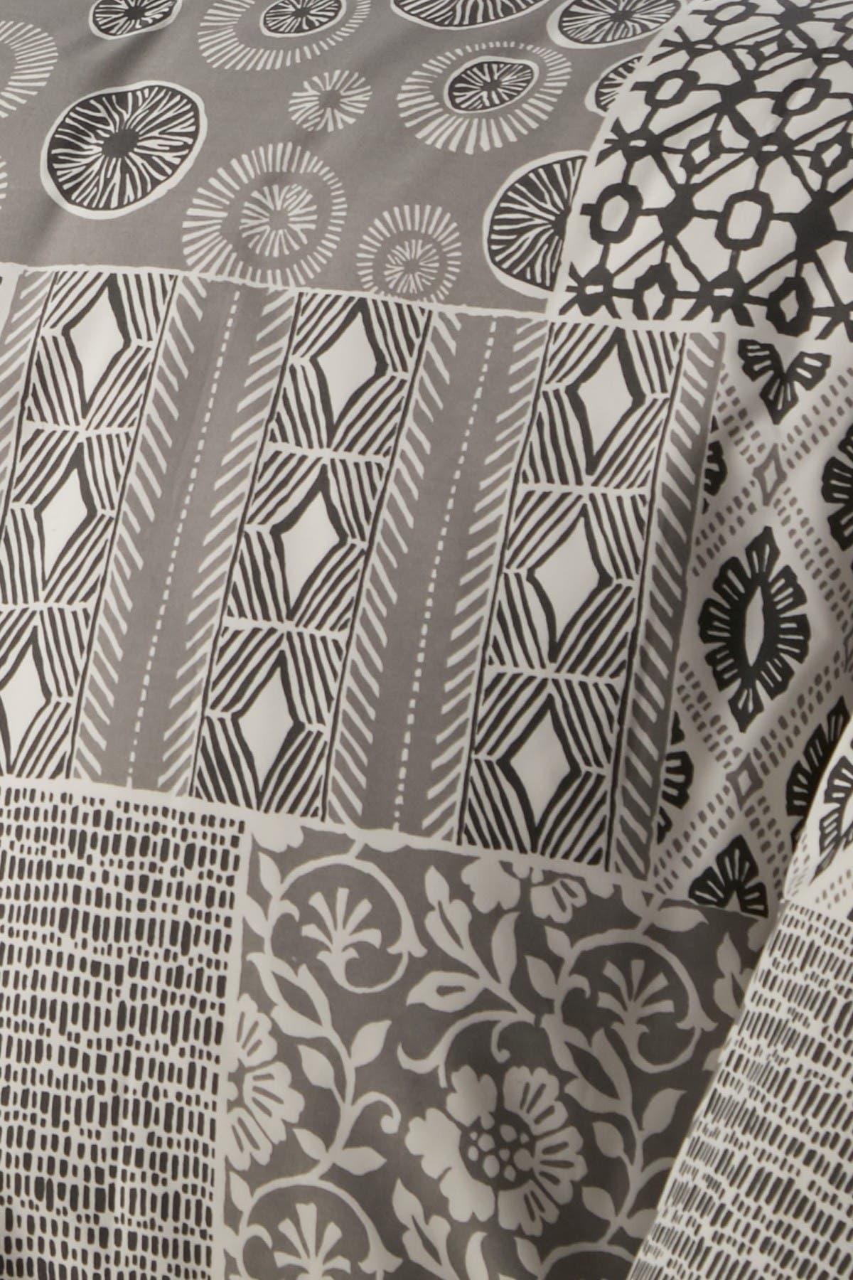 Image of SOUTHSHORE FINE LINENS Full/Queen Premium Oversized Duvet 3-Piece Set - Global Patchwork Grey