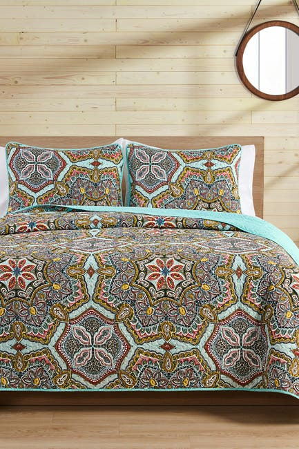 Image of VCNY HOME Yara Reversible Medallion Quilt Set - Full/Queen