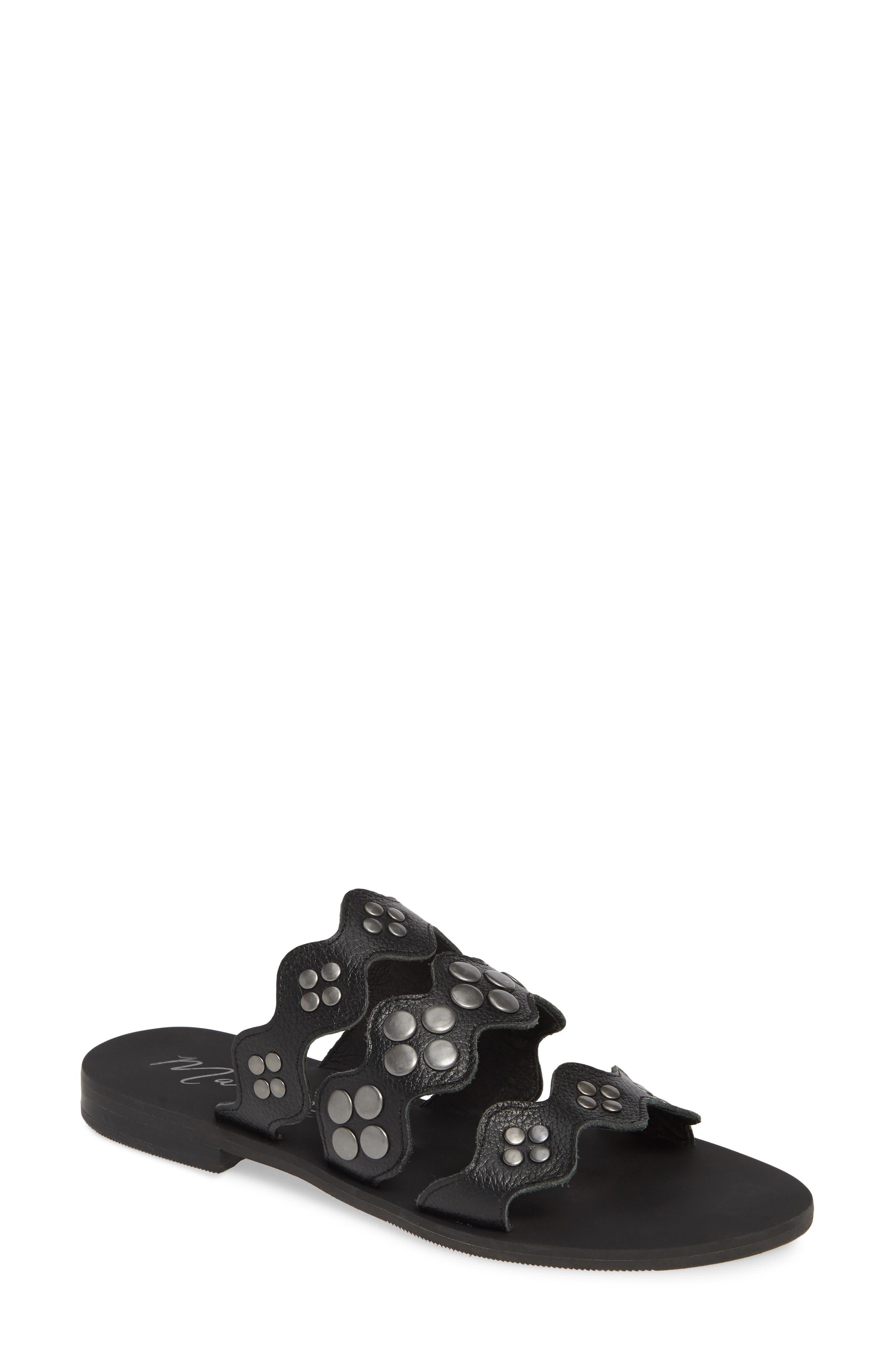 Matisse Wide Eyed Slide Sandal, Black