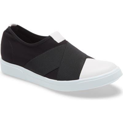 Munro Anjela Slip-On Sneaker, Black