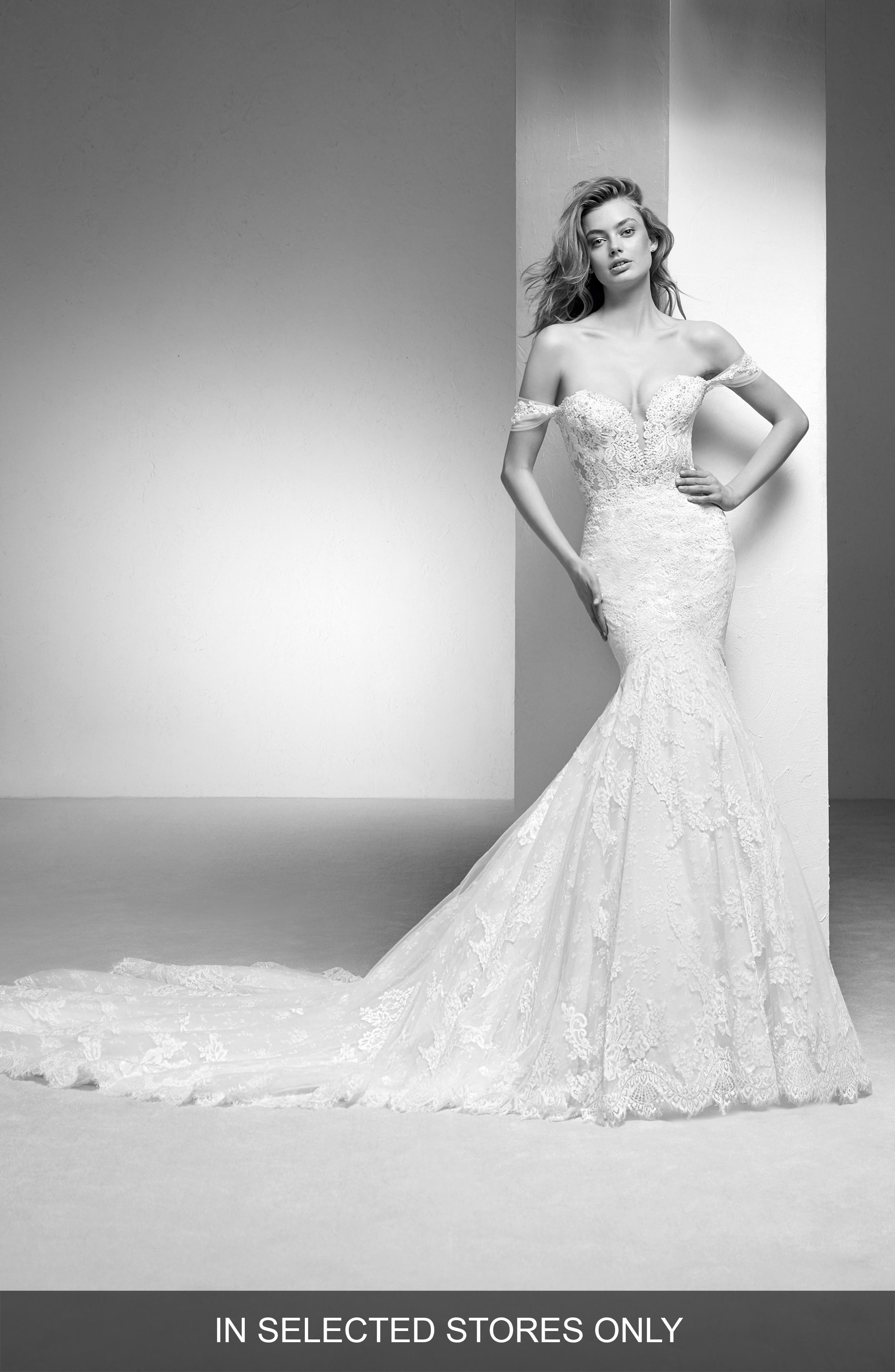 Pronovias Imelda Lace Mermaid Gown