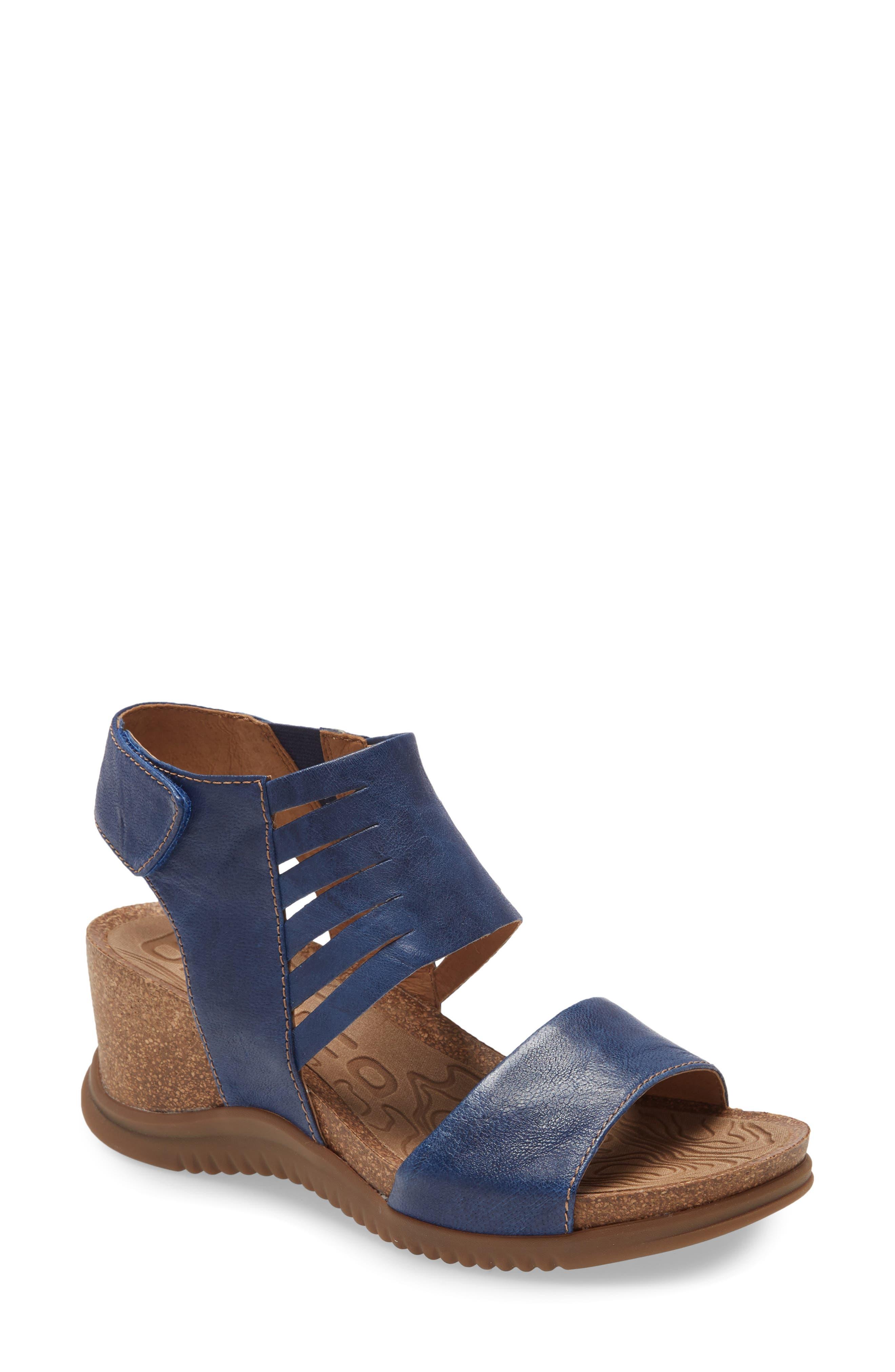 Women's Bionica Gracen Wedge Sandal, Size 6.5 M - Blue