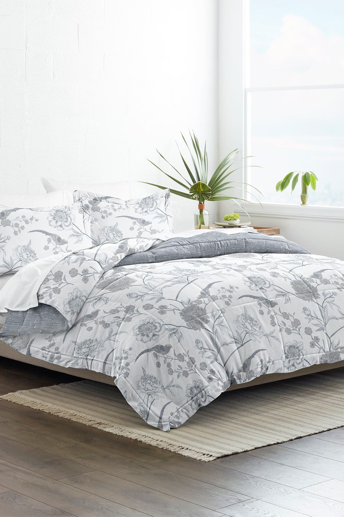 Image of IENJOY HOME Home Collection Premium Down Alternative Molly Botanicals Reversible King/California King Comforter 3-Piece Set - Light Blue
