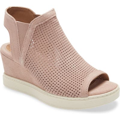 Sofft Basima Perforated Wedge Sandal- Pink