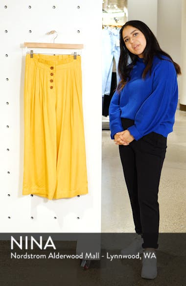 Pleated Crop Trousers, sales video thumbnail