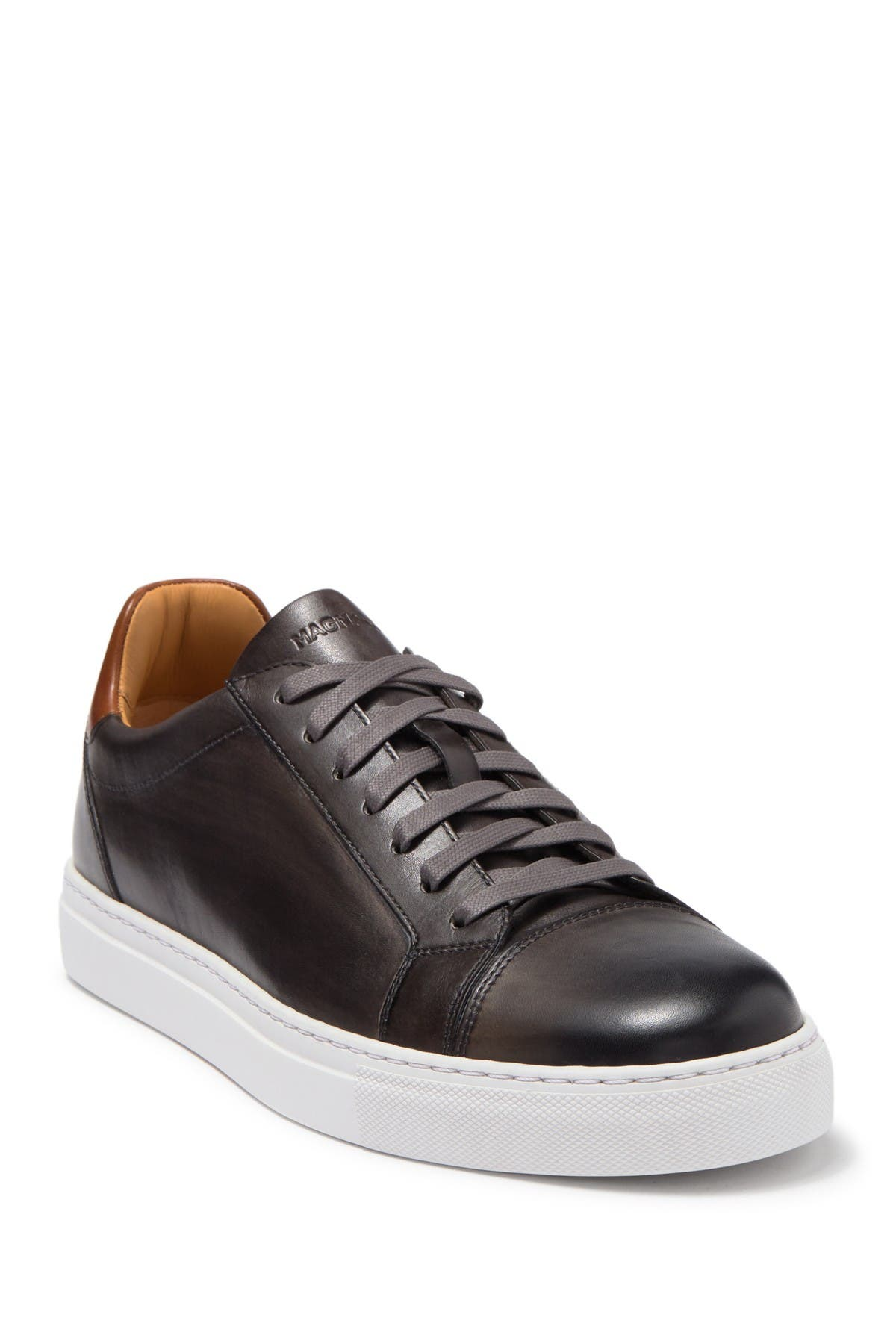Image of Magnanni Cuervo II Leather Sneaker