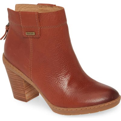 Sofft Gwinith Waterproof Bootie, Brown