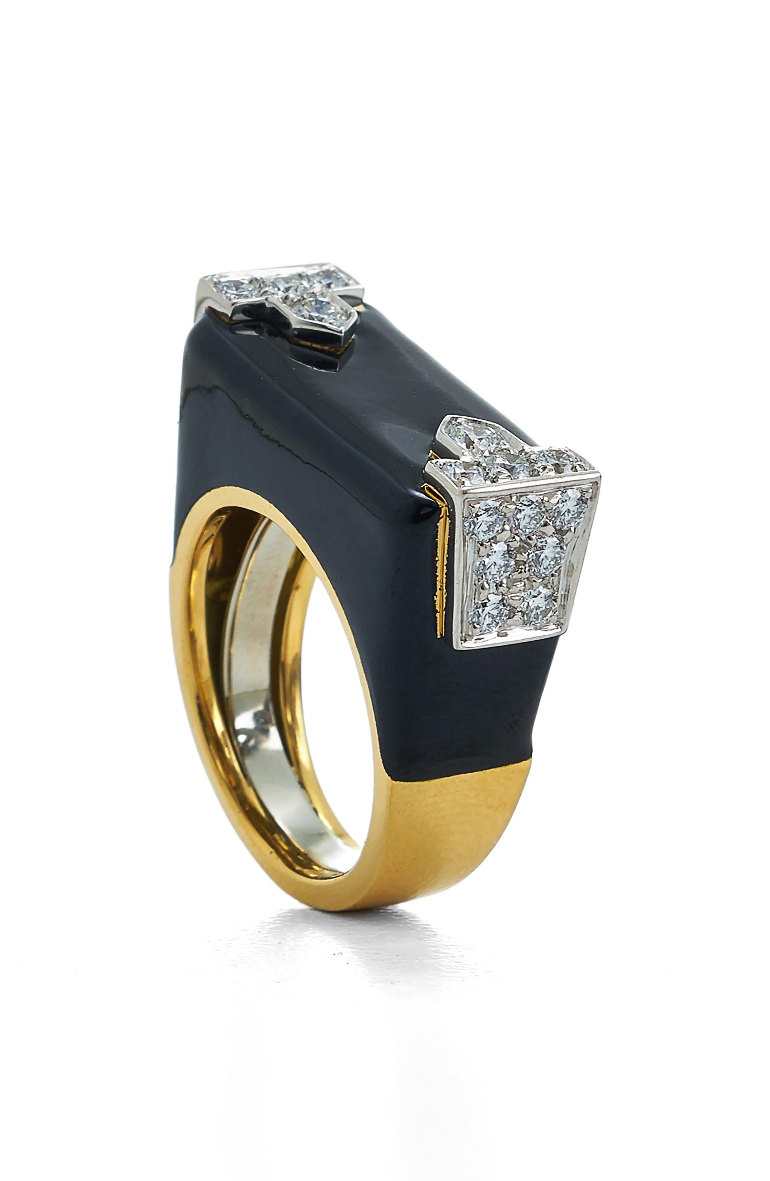 Motif Hero Ring