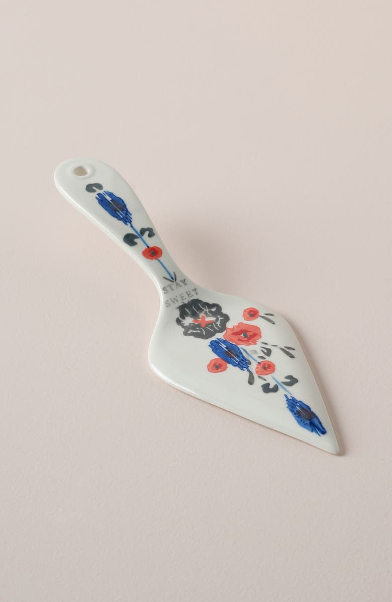 ANTHROPOLOGIE HOME Anthropologie Daily Bakeware Floral Cake Server, Main, color, WHITE