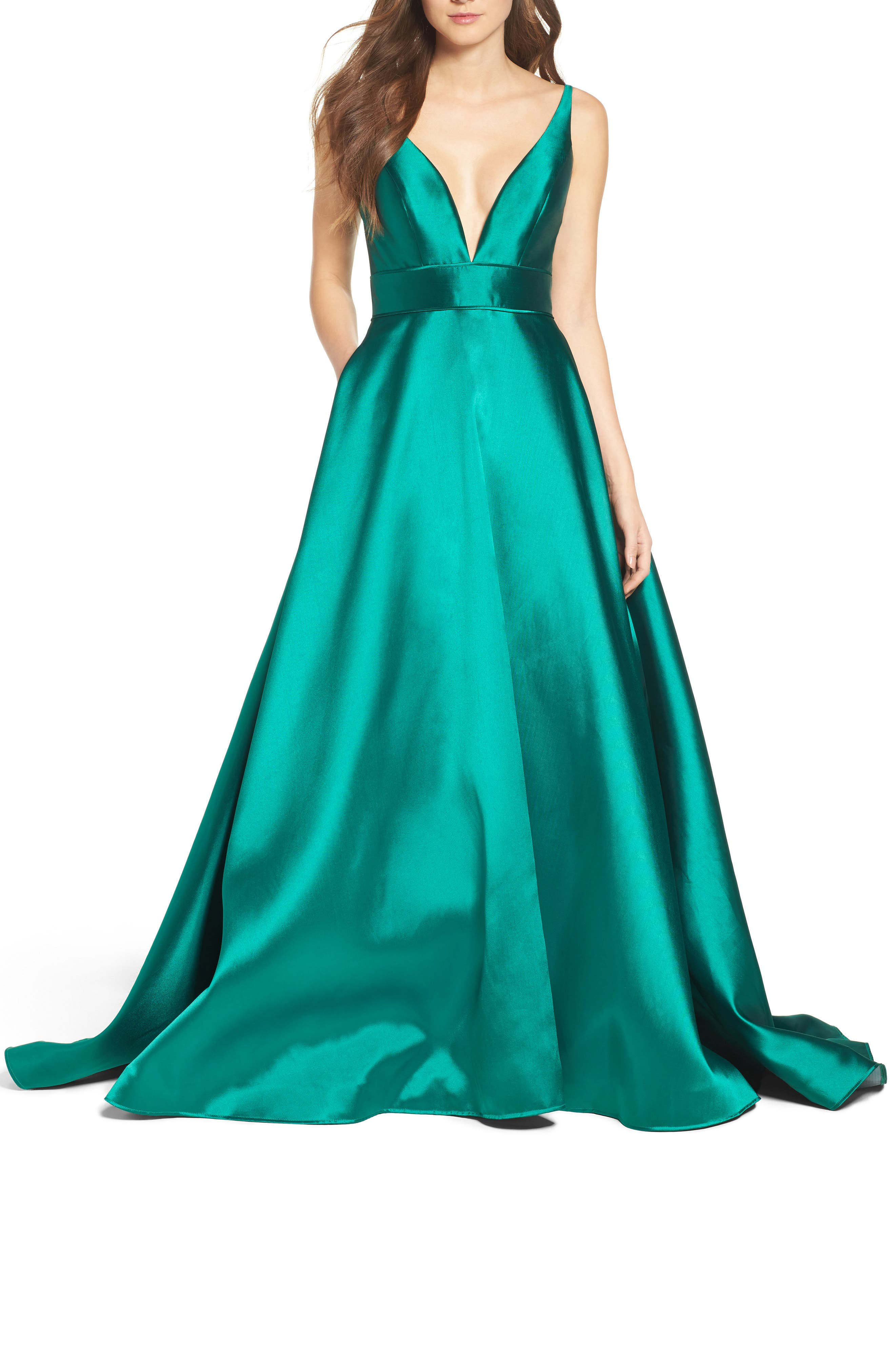 Ieena For MAC Duggal Plunging Sweetheart Neck Ballgown, Green