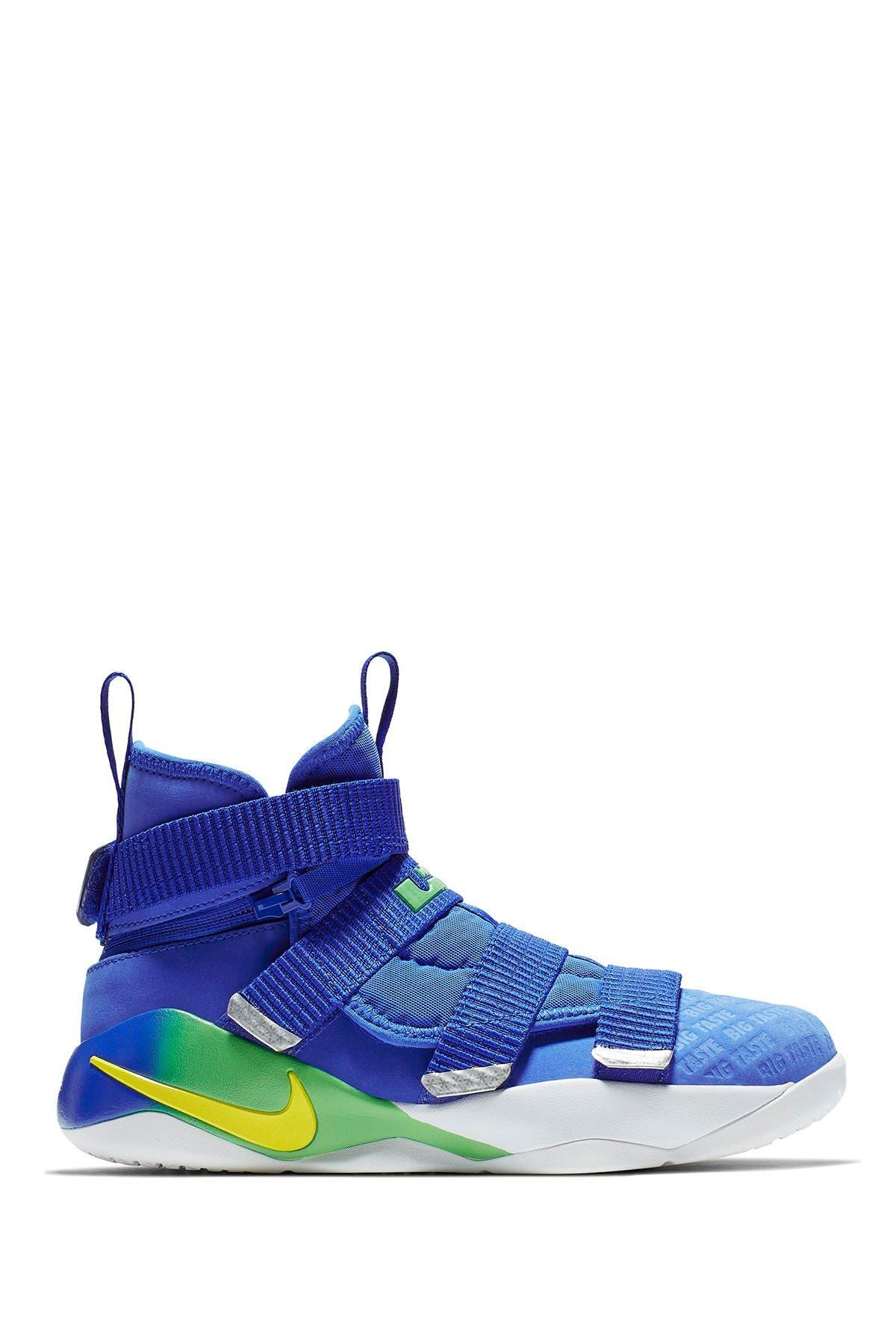 Nike | Lebron Soldier XI Flyease