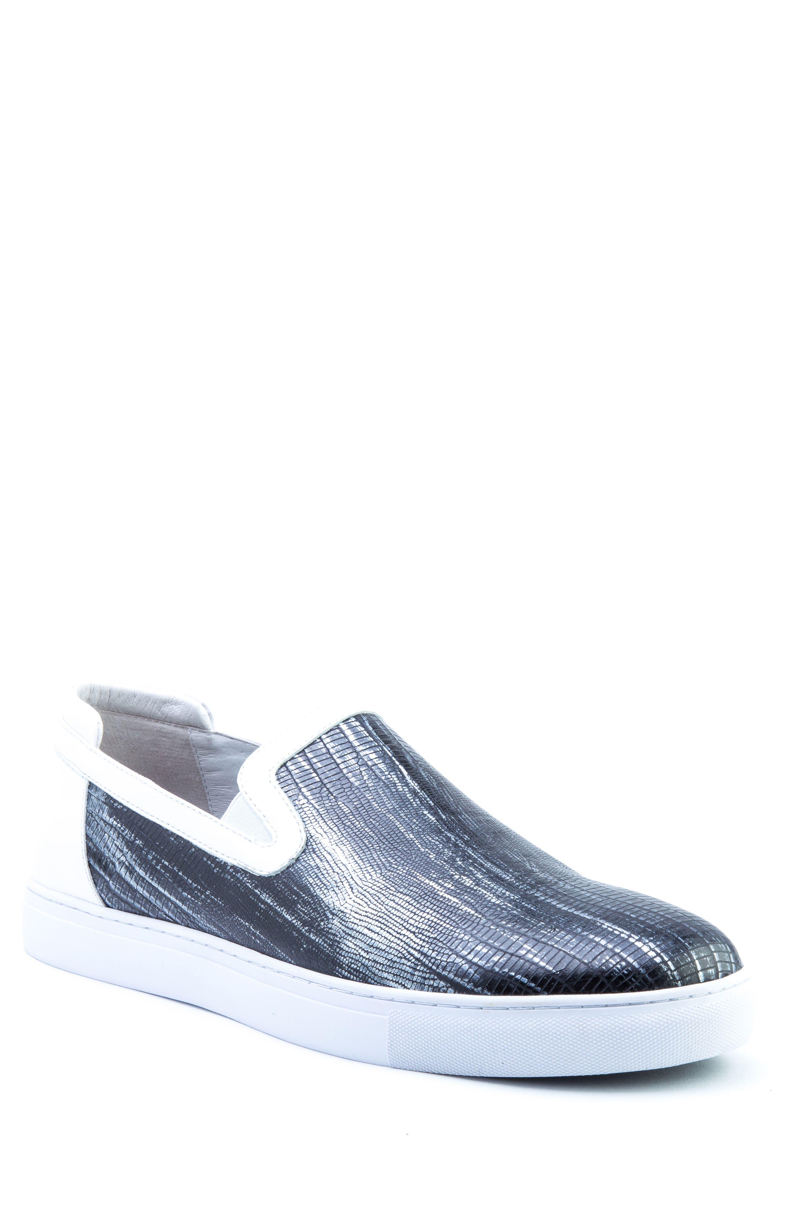Badgley Mischka Bogart Sneaker, White