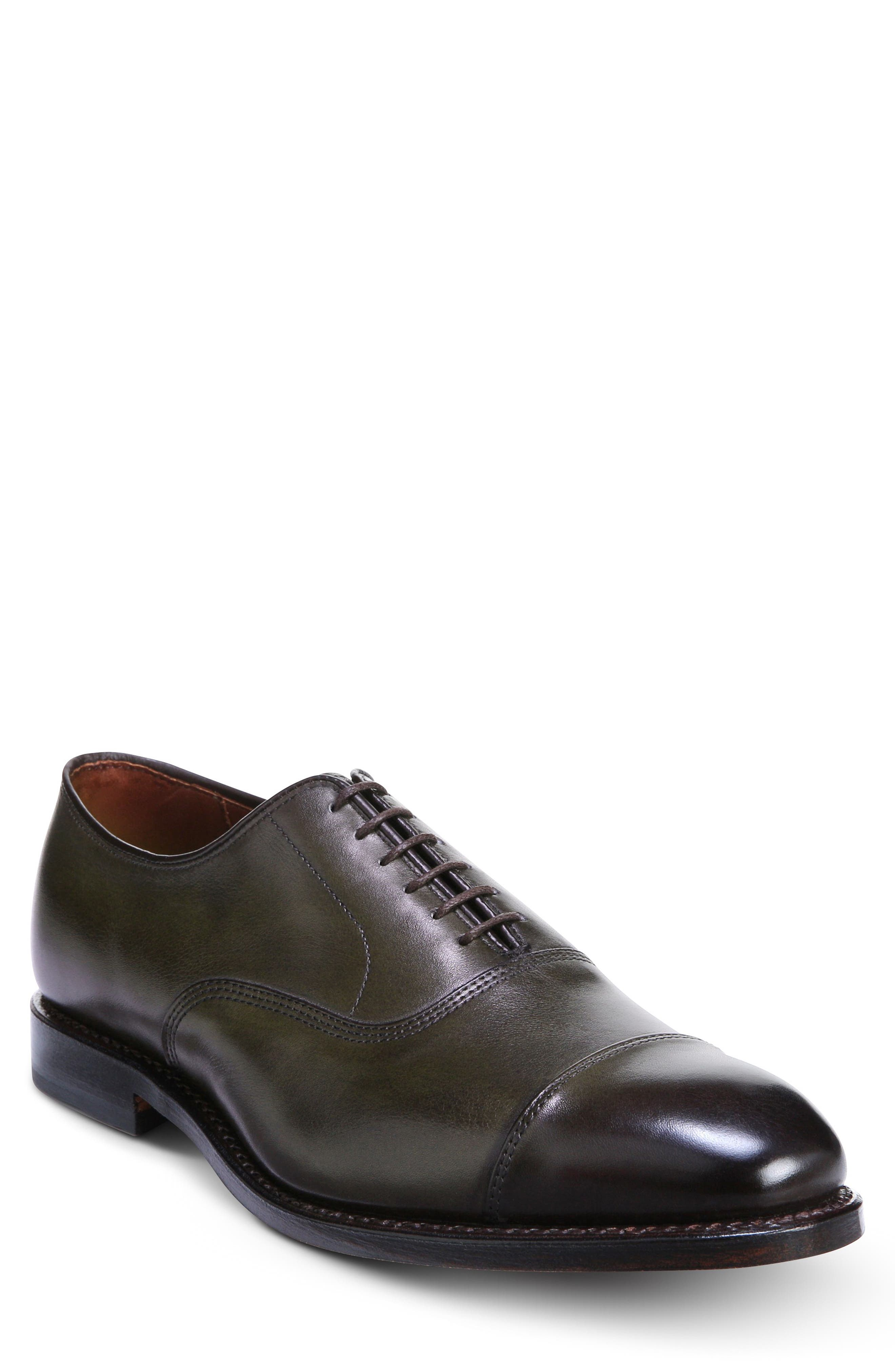 Subtle yet striking, this six-eyelet cap-toe oxford features a full leather lining, a single oak-eather sole and a fit that accommodates higher arches. The Park Avenue has been worn by four presidents on their Inauguration Day, making it a true American icon. Style Name: Allen Edmonds Park Avenue Oxford (Men). Style Number: 53202 4. Available in stores.