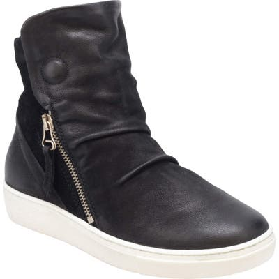 Miz Mooz Lavinia Sneaker - Black