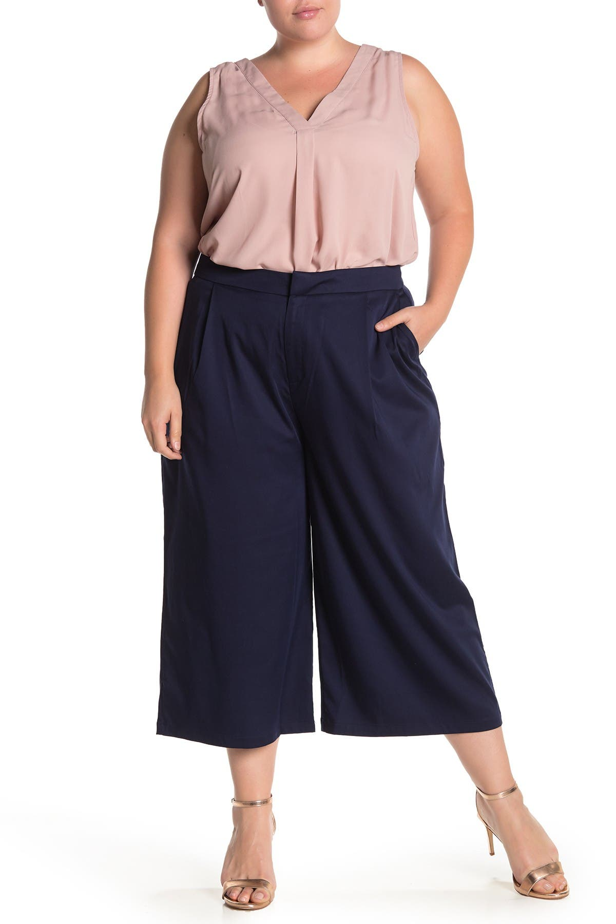 Image of ELOQUII Essential Wide Leg Cropped Pant