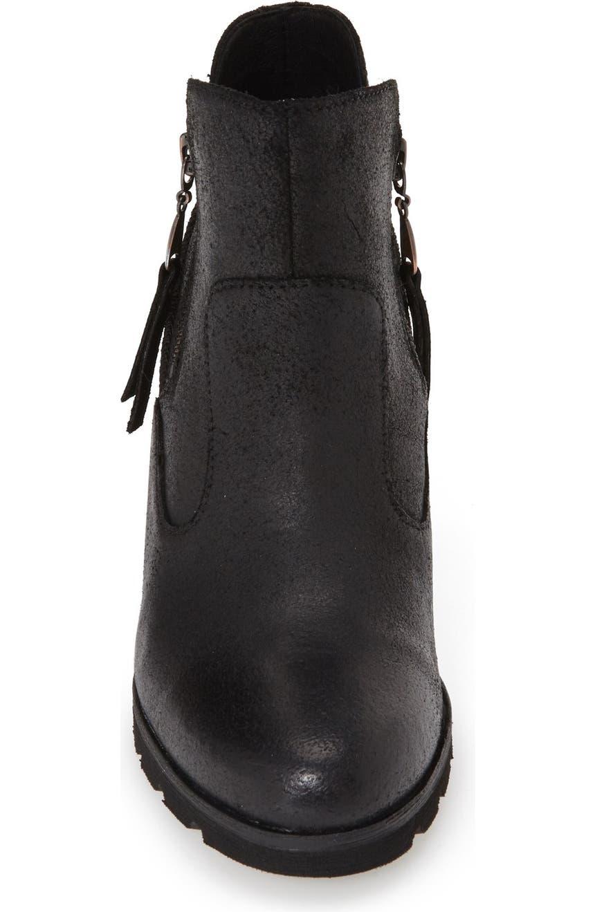 cbac58d973d Australia 'Myrna' Wedge Ankle Bootie