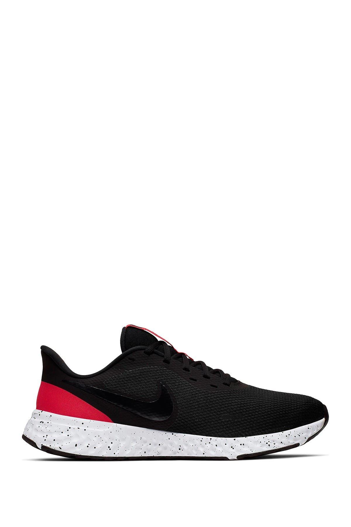 Image of Nike Revolution 5 Sneaker